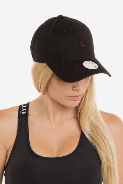 New Era Women's Boston White Sox 940 Strapback Washed Black