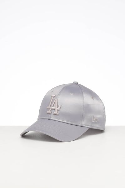 New Era Women's Los Angeles Dodgers 9FORTY Strapback Mist Satin