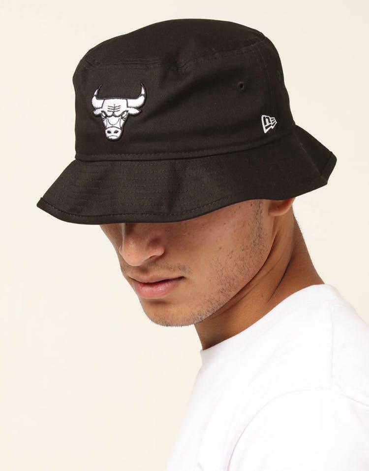 65a2a0cd1 New Era Chicago Bulls Bucket Hat Black/White