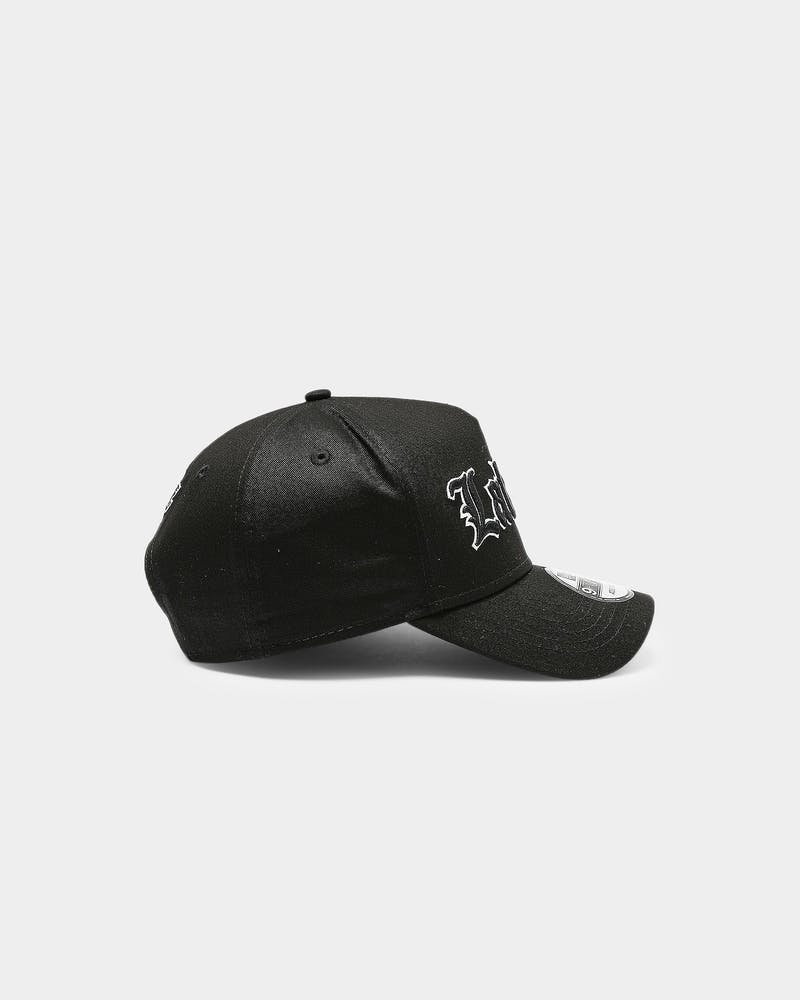New Era Los Angeles Lakers 9FORTY K-Frame Goth Script Snapback Black/White