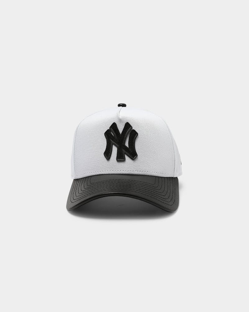 New Era New York Yankees PU Leather 9FORTY A-Frame Snapback White/Black