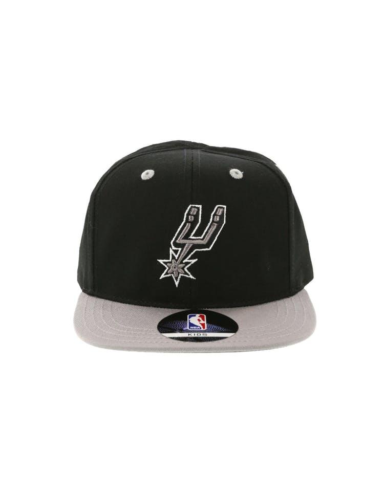 1d31f00ef6f62 NBA San Antonio Spurs 2-Tone Flat Brim Kids Snapback Black Grey ...