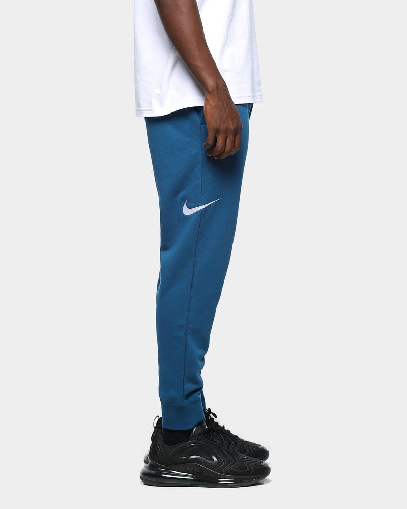 Perforación Inspiración Aplicado  Nike Men's Nike Sportswear NSW Swoosh Fleece Track Pant Blue Force/Bar |  Culture Kings NZ