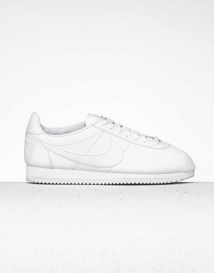 low priced 33b53 3cd04 Nike Women's Classic Cortez White/White