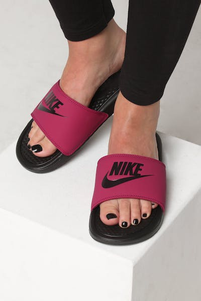 "Nike WOMEN'S BENASSI ""JUST DO IT."" Berry"
