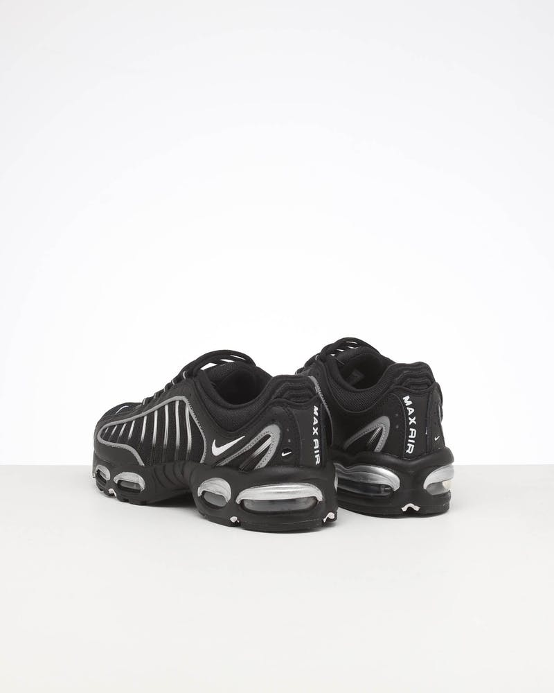 NIKE AIR MAX TAILWIND IV BLACK/WHITE/SILVER