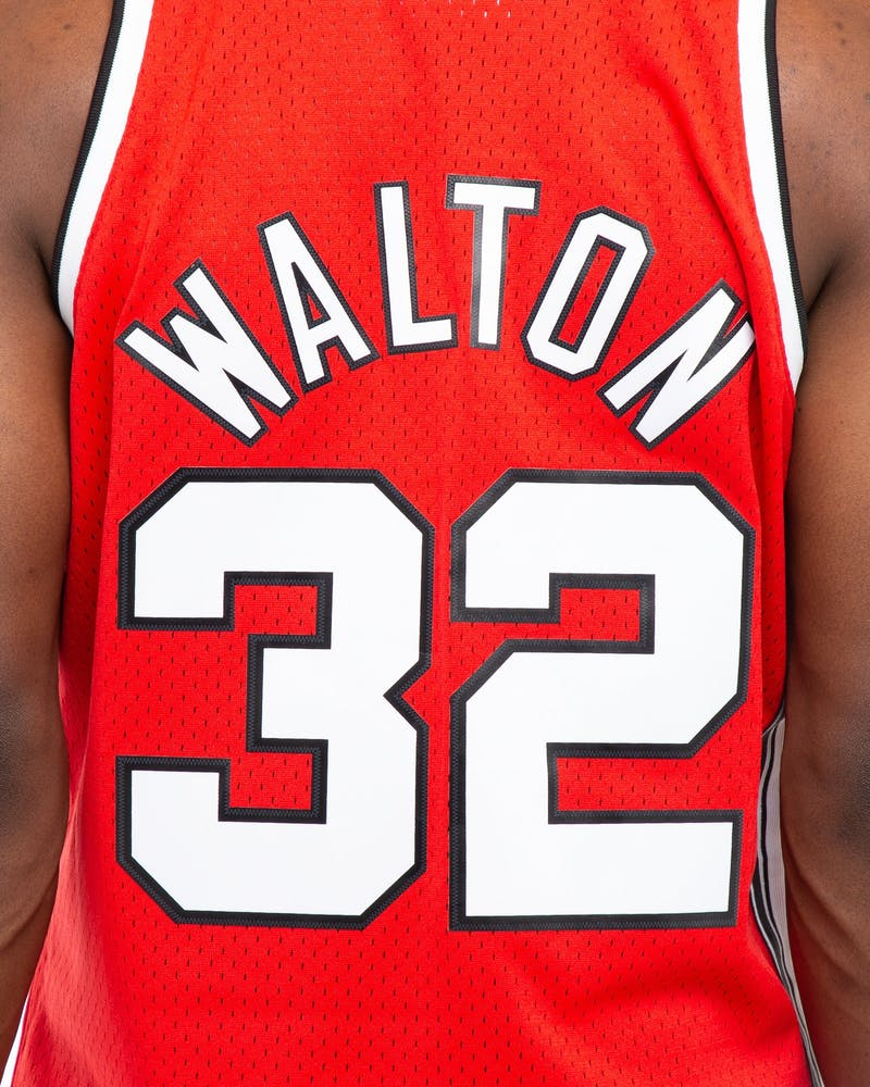 Mitchell & Ness Portland Trail Blazers Bill Walton #32 76-77 Swingman NBA Jersey Red