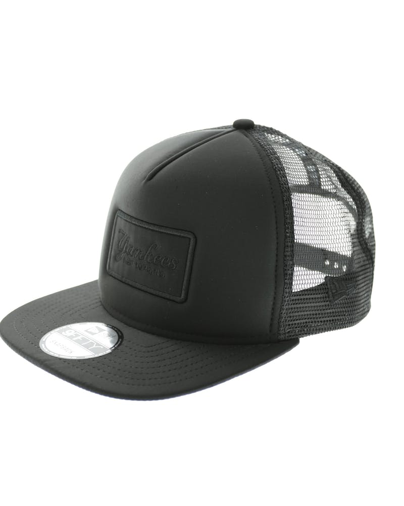 New Era Yankees Emblem AF Trucker Black/black