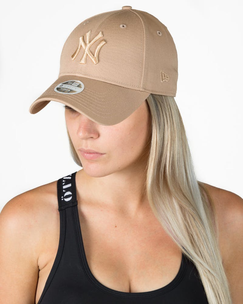 New Era New York Yankees Tonal 9FORTY Snapback Camel