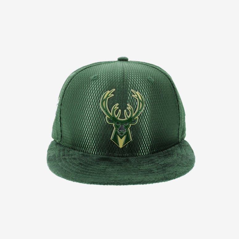 1a326af7742 New Era Milwaukee Bucks 9FIFTY On-Court Collection Draft Snapback Green