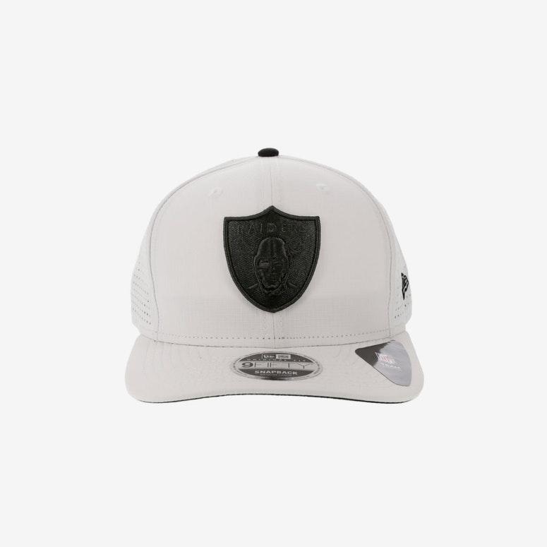 New Era Oakland Raiders 9FIFTY Original Fit Precurve Snapback White ... 3a9cc5ab1