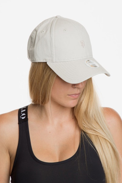 New Era Women's San Francisco Giants 940 Strapback Off White