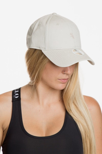 New Era Women's Chicago White Sox 940 Strapback Off White