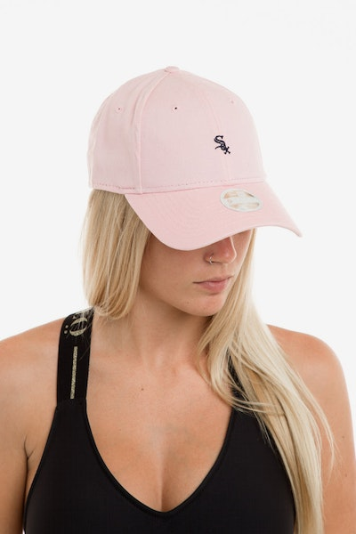 New Era Women's Chicago White Sox 940 Strapback Washed Quartz