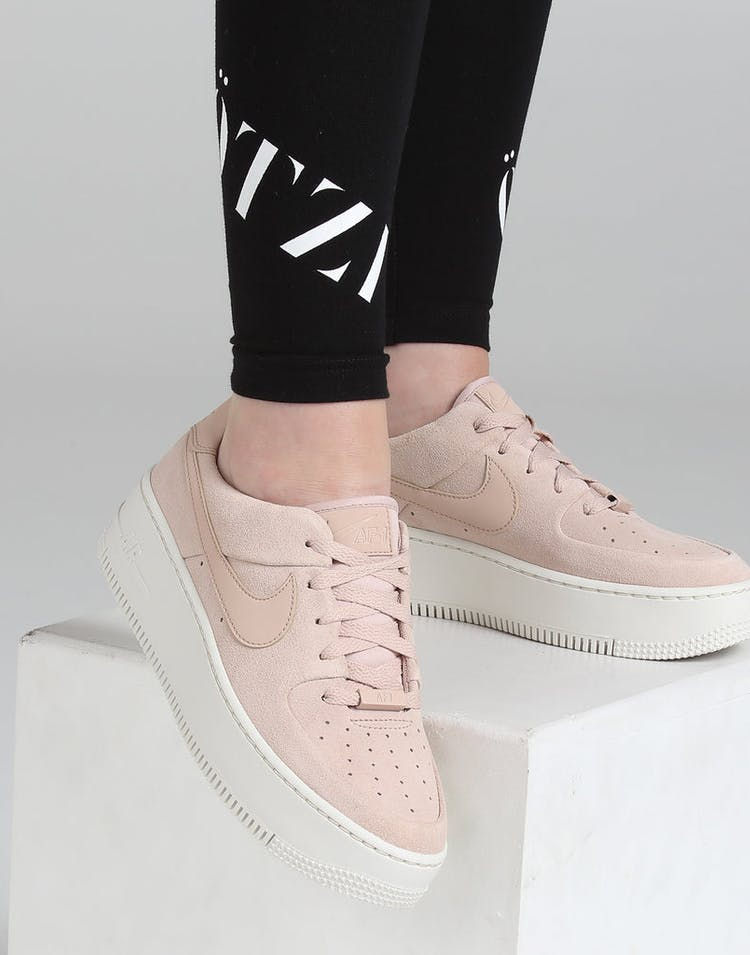 premium selection ee883 15273 Nike Women's Air Force 1 Sage Low Beige/White
