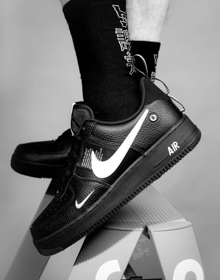 Nike Air Force 1 07 Lv8 Utility Black White