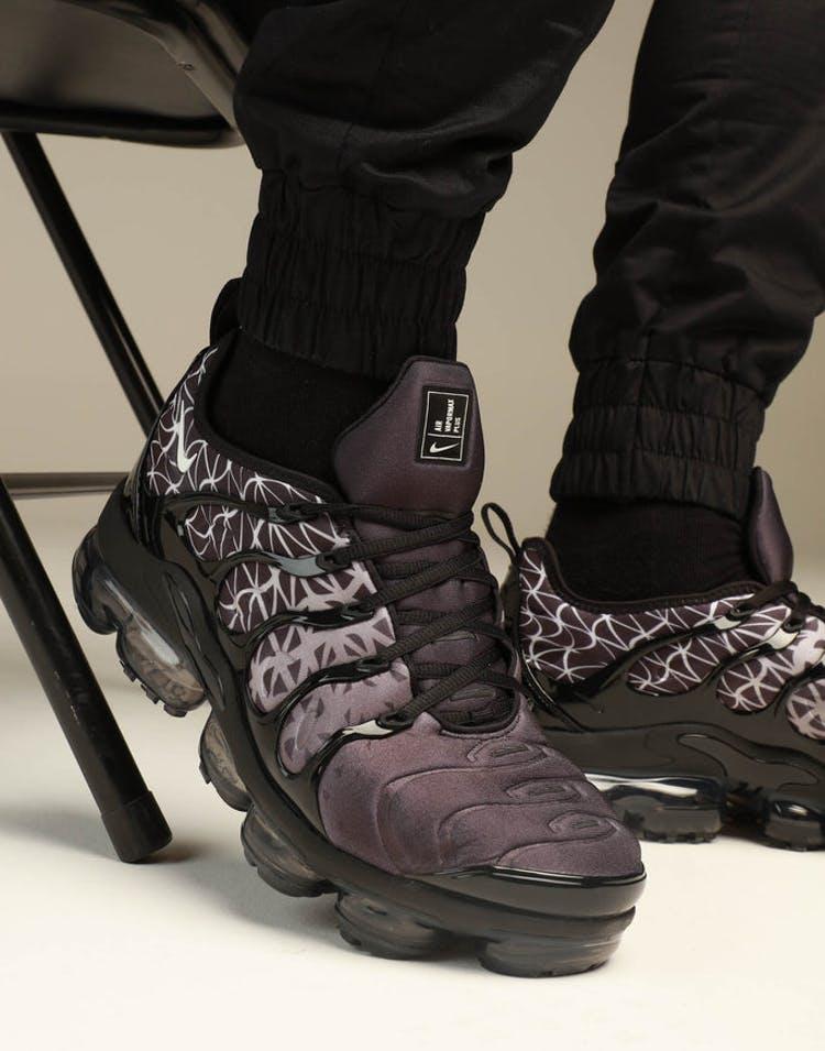 newest 0a47b 823d2 Nike Air Vapourmax Plus Black/White