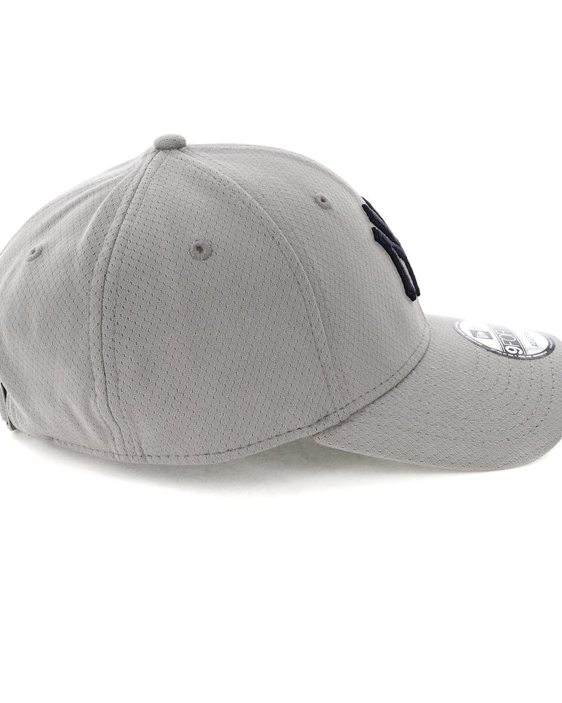 New Era New York Yankees 9FORTY CS Strapback Grey