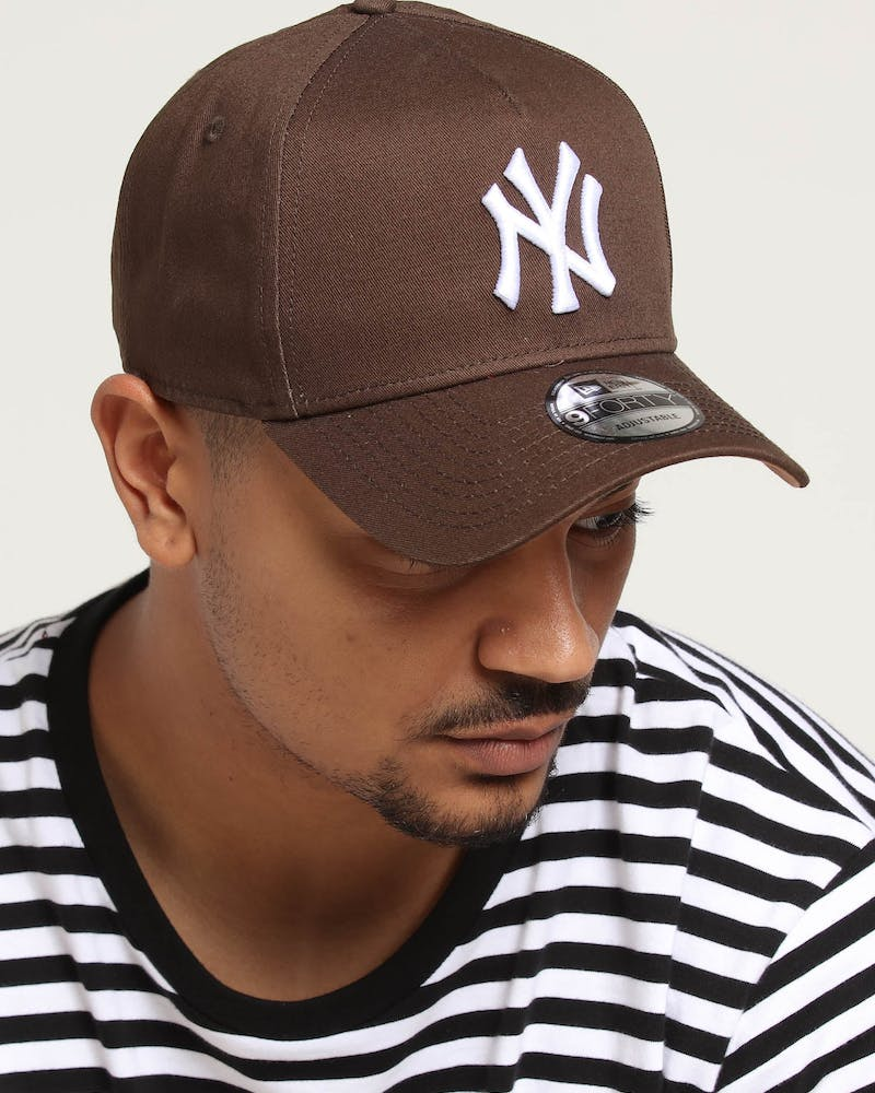 New Era New York Yankees 9FORTY A-Frame Snapback Walnut