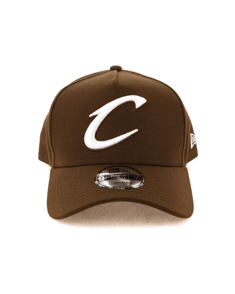 New Era Cleveland Cavaliers 9FORTY A-Frame Snapback Chocolate
