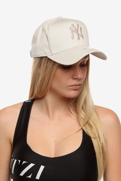 New Era Women's New York Yankees 940 A-Frame Embroidered Strapback Stone
