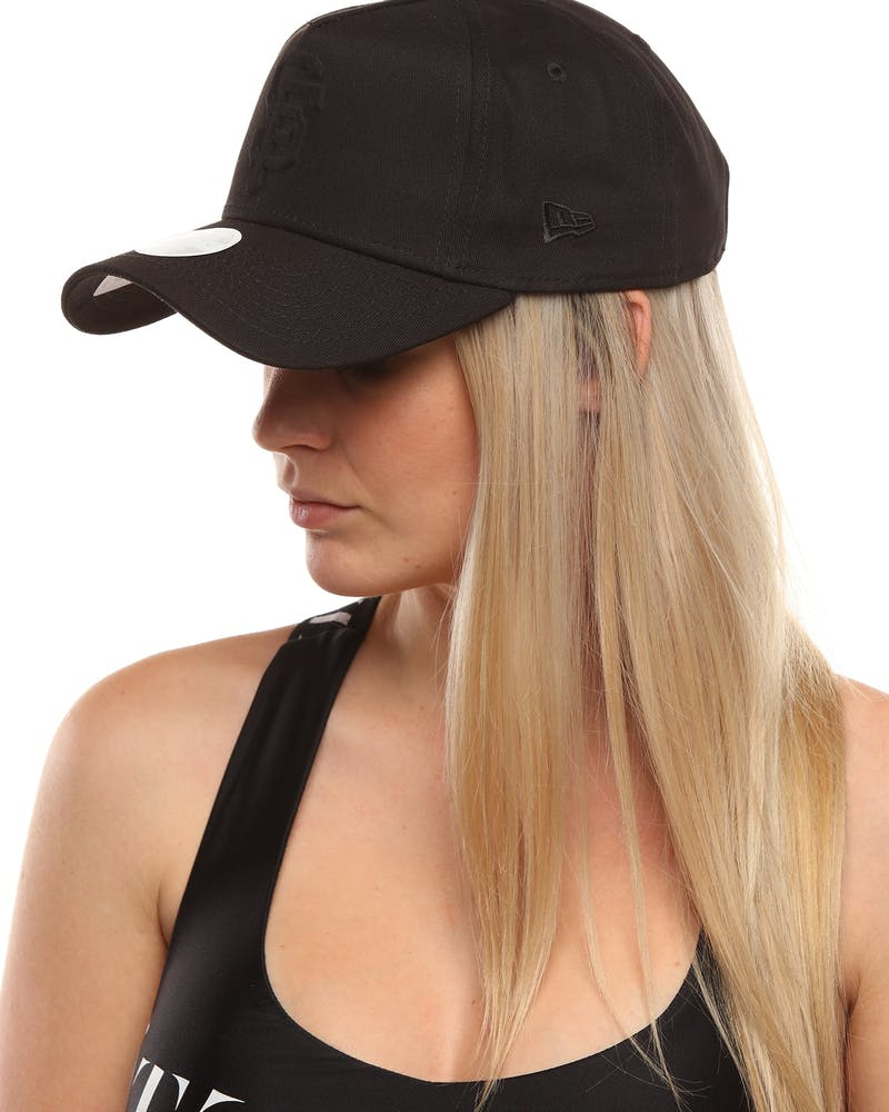 New Era Women's San Francisco Giants 9FORTY A-Frame Embossed Strapback Black/Black