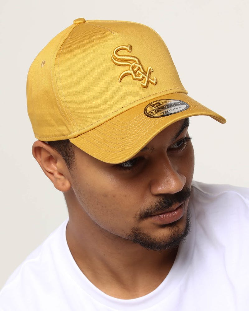 NEW ERA CHICAGO WHITE SOX 9FORTY A-FRAME SNAPBACK GOLD