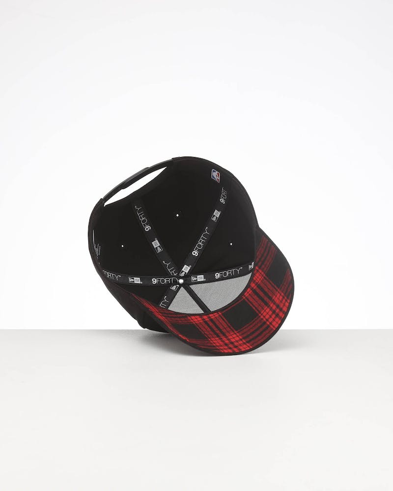 New Era Chicago Bulls Appliqué 9FORTY K-Frame Snapback Black/Red/Tartan
