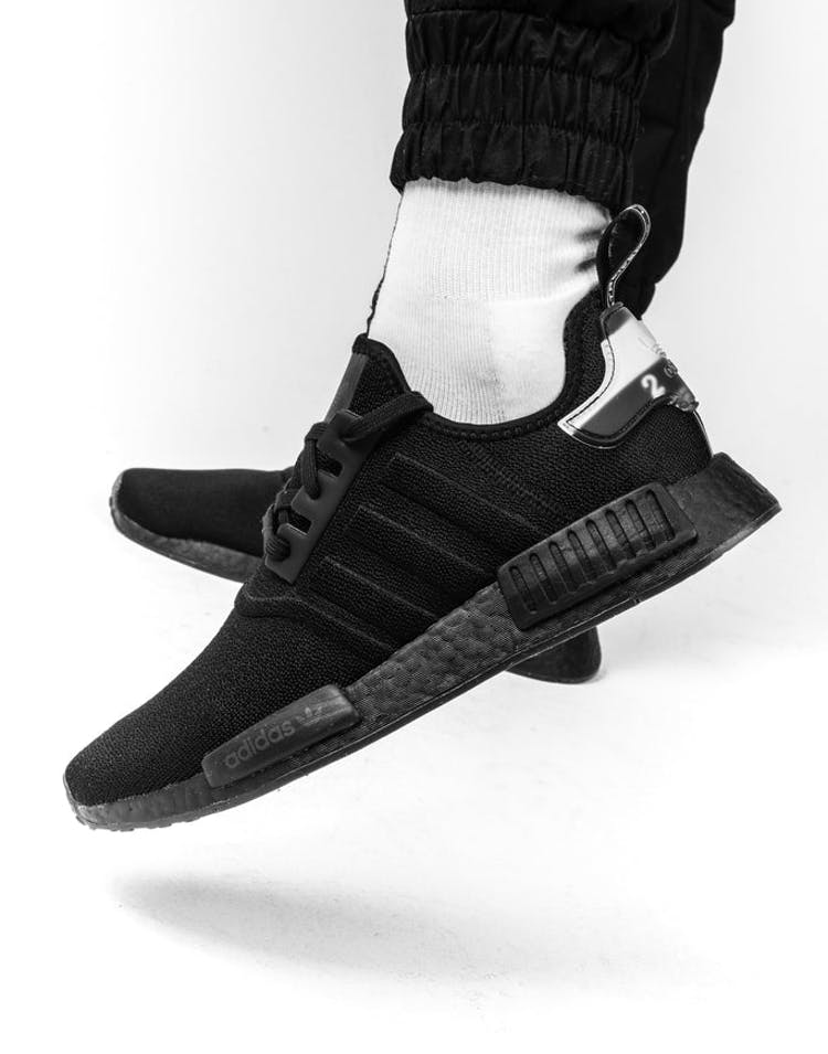 the latest e2826 259ff Adidas NMD-R1 Black/Black/White