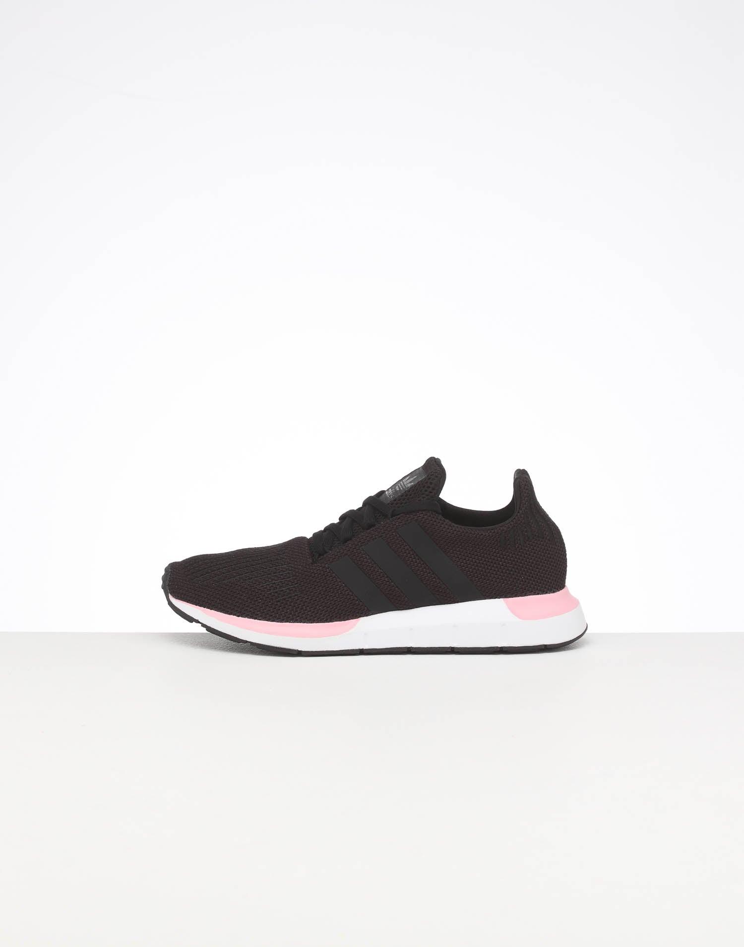 adidas women's swift run pink