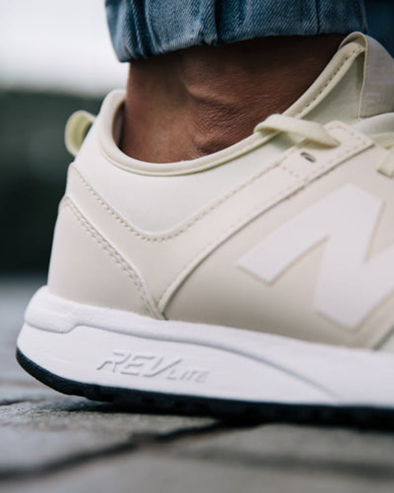 New Balance 247 (Classic Pack) Off White/White