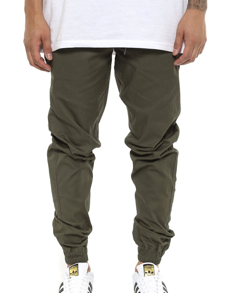 FairPlay Runner Jogger Olive