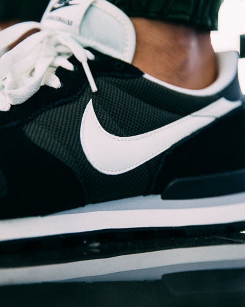 Nike Internationalist Black/White