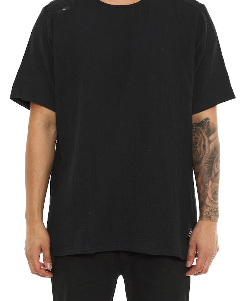 Shaun Johnson The Structured Tee Black