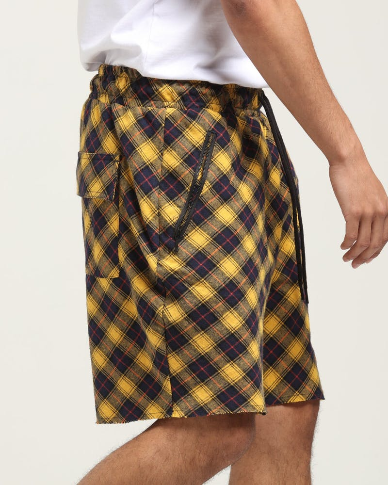 Saint Morta Feris Tartan Short Yellow