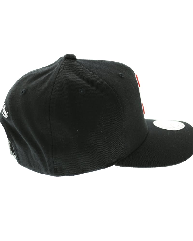 Mitchell & Ness Hawks Team 110 Snapback - Black/White/Red