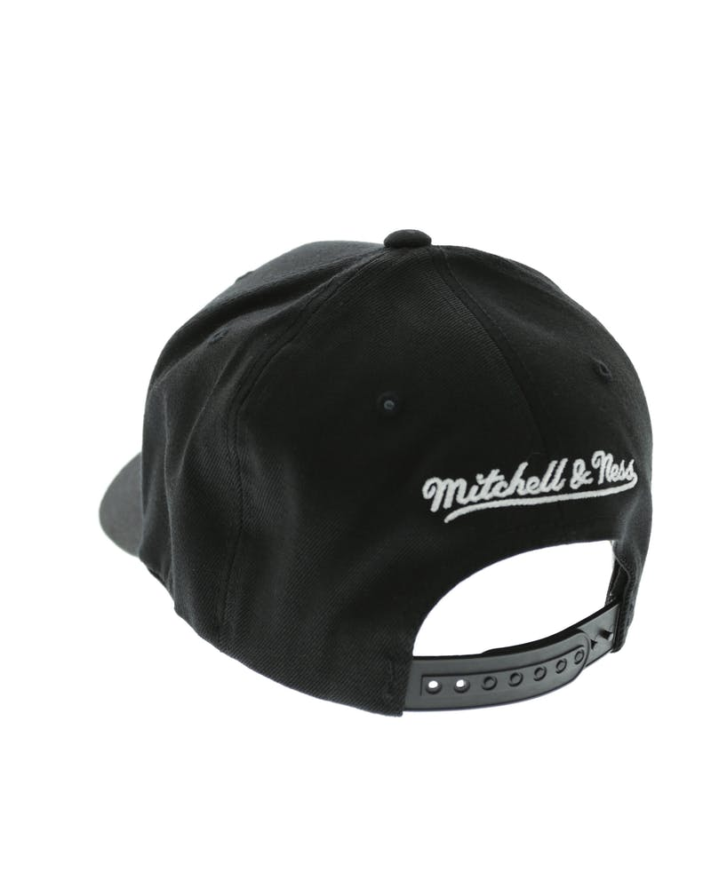 Mitchell & Ness 76ers 110 Snapback Black/White