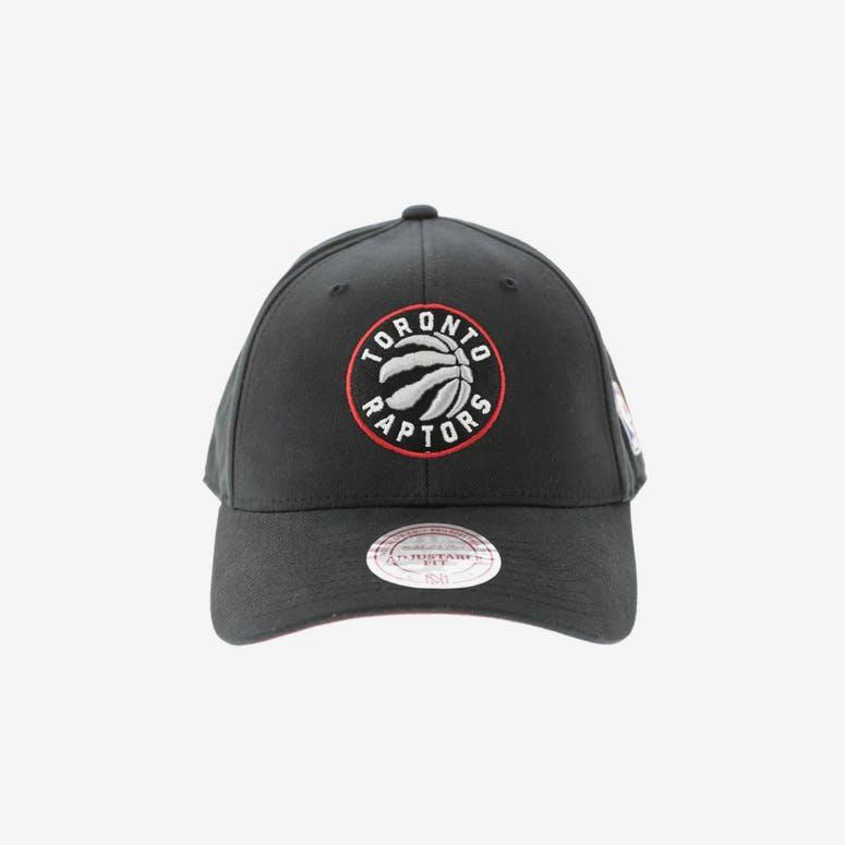 77af635ccff Mitchell   Ness Toronto Raptors 110 Snapback Black – Culture Kings NZ
