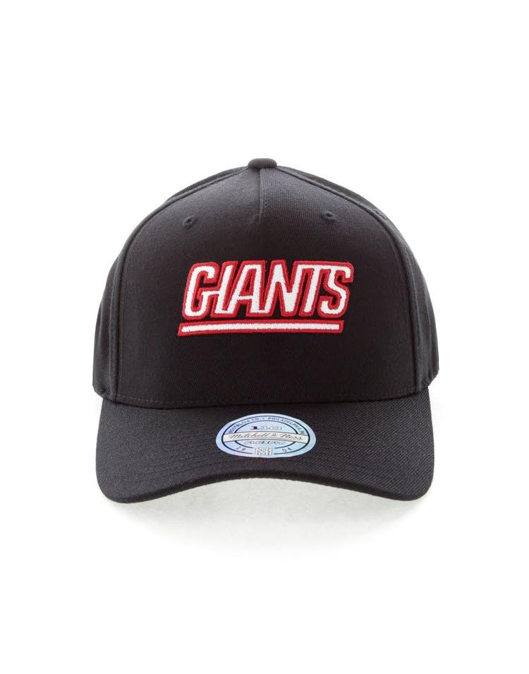 b0e373bfd Mitchell & Ness New York Giants Team 110 Pinch Snapback Black ...