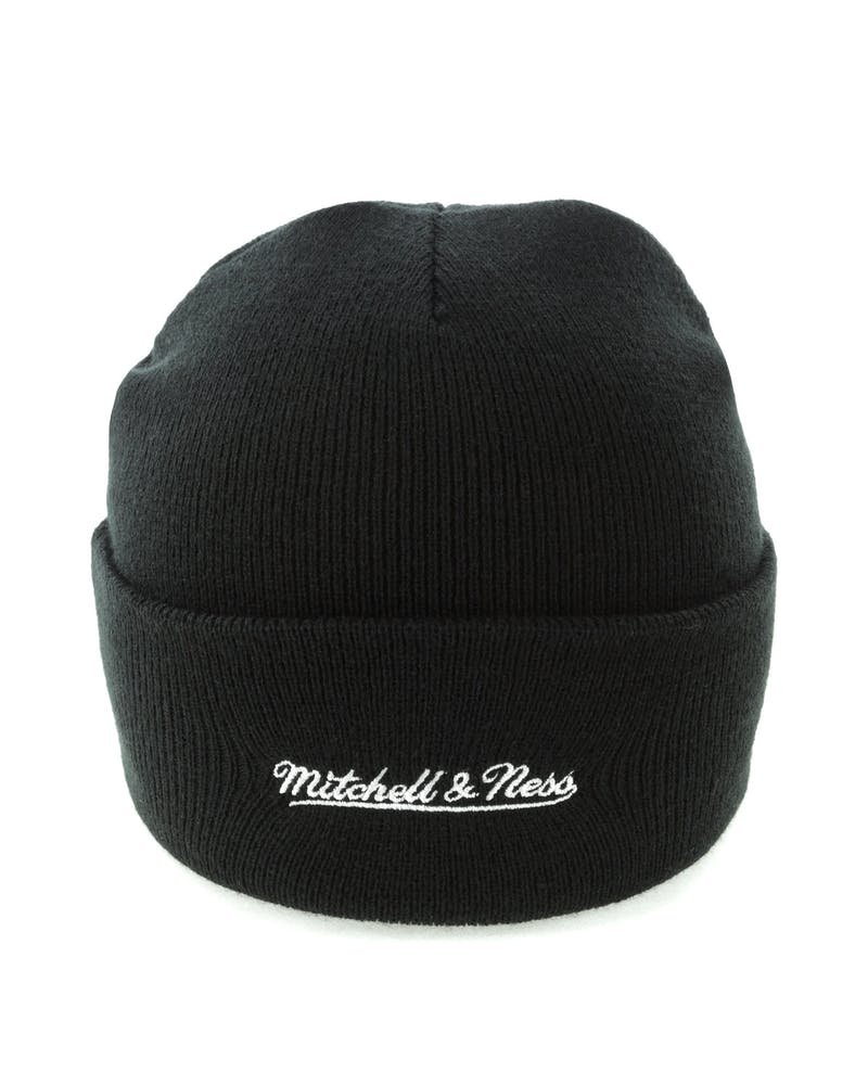 Mitchell & Ness Chicago Bulls Team Logo Cuff Beanie Black