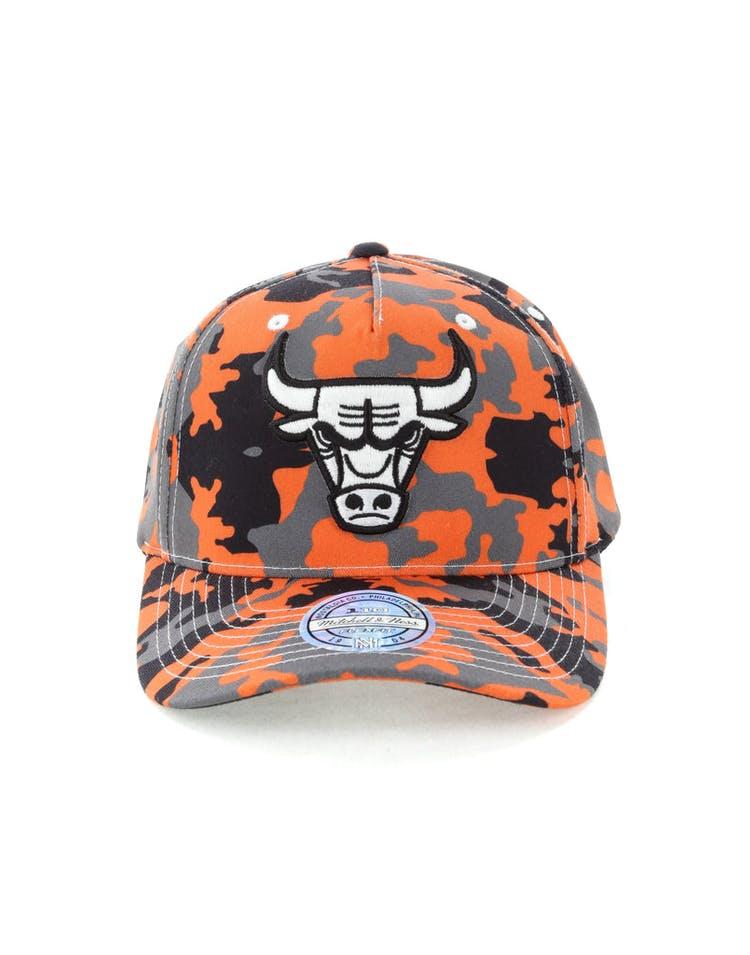 b2b9770e1381be Mitchell & Ness Chicago Bulls 110 Pinch Panel Snapback Camo/Orange ...