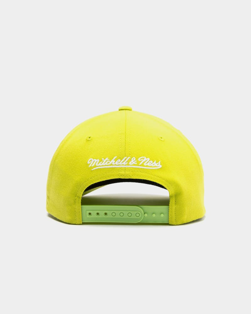 Mitchell & Ness Cleveland Cavaliers Pinch 110 Snapback Green