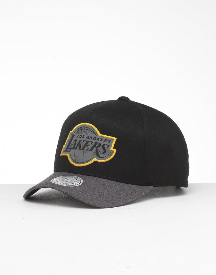 purchase cheap aad94 238fc Mitchell   Ness Los Angeles Lakers Reflective Duo II Snapback Black Grey