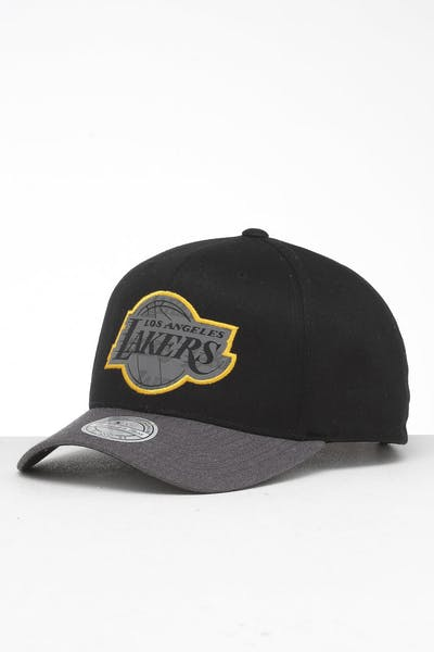 purchase cheap ec705 1b116 Mitchell   Ness Los Angeles Lakers Reflective Duo II Snapback ...