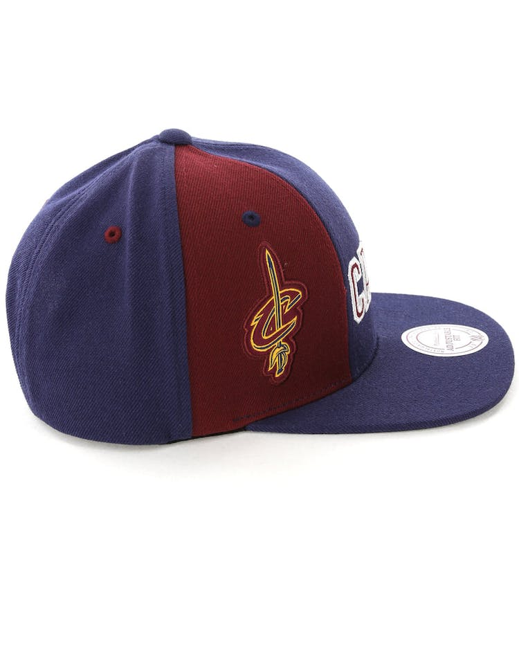 Mitchell & Ness Cleveland Cavaliers Hexagon Snapback Navy/Burgundy