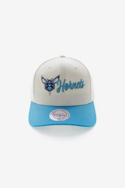 Mitchell & Ness Charlotte Hornets Vintage 110 Snapback Vintage Off White