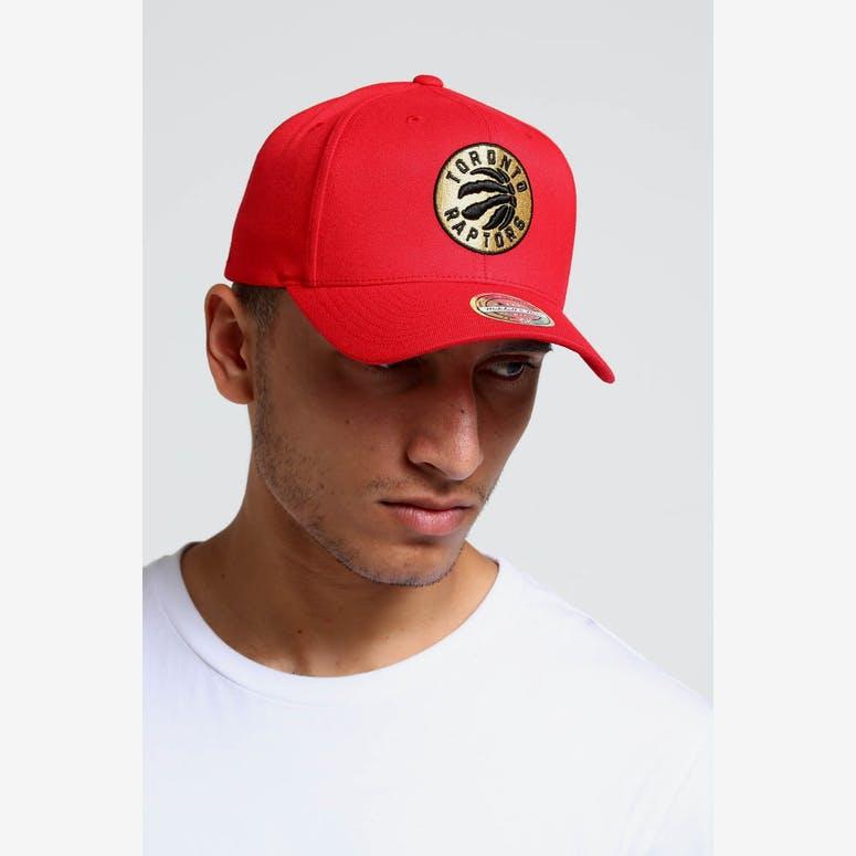 c6030c63711 Mitchell   Ness Toronto Raptors 110 Snapback Red Gold – Culture Kings NZ