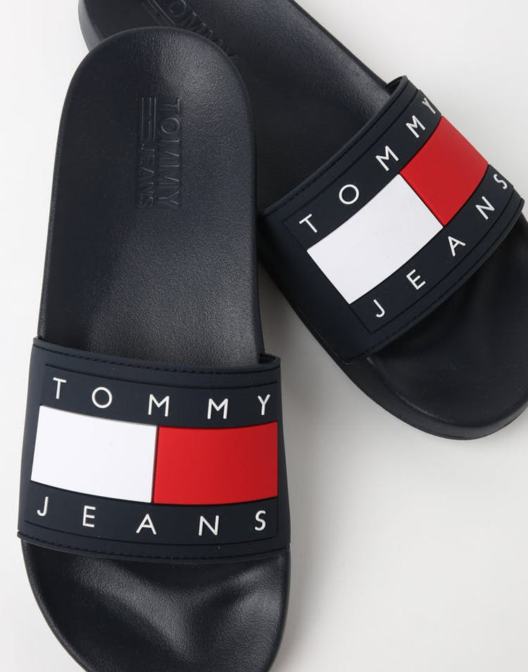 324b6df1 Tommy Jeans Flag Pool Slide Navy – Culture Kings NZ