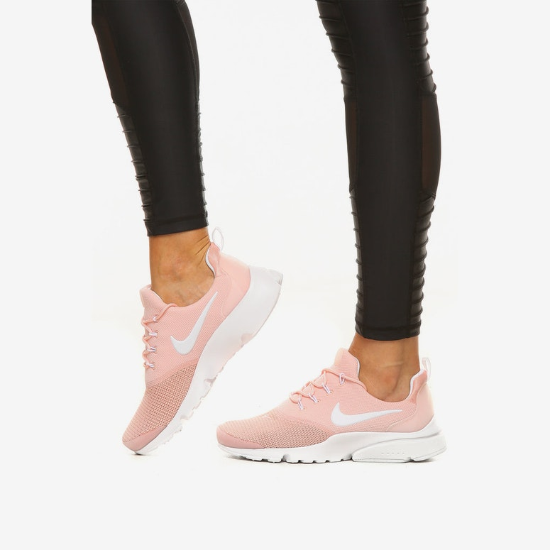 premium selection 6d116 f84ac Nike Women's Presto Fly Peach/White
