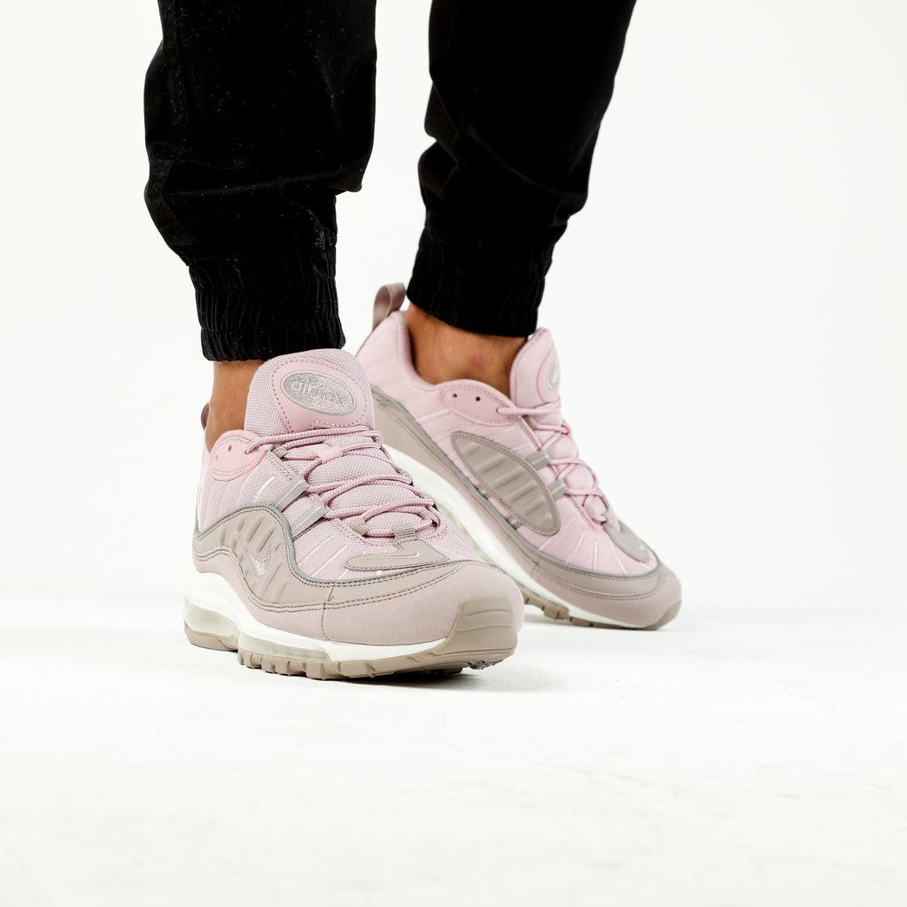 Suchergebnis auf für: nike air max damen grau pink